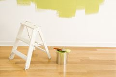 梯子油漆用品 免版税库存照片