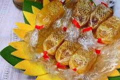 梳子用蜂蜜 库存照片