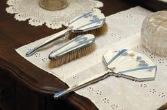 梳子镜子 免版税库存照片