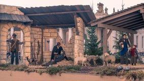 """梵蒂冈†""""2015年12月16日, :圣诞节小儿床在圣皮特圣徒・彼得的广场 免版税库存图片"""