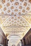 梵蒂冈博物馆的画廊内部梵蒂冈的, R 免版税库存照片