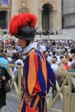 梵蒂冈卫兵 免版税库存照片