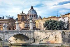 梵蒂冈圆顶台伯河Ponte桥梁罗马意大利 免版税库存图片
