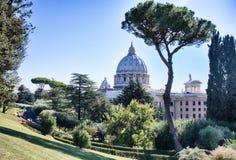 梵蒂冈庭院 免版税库存照片