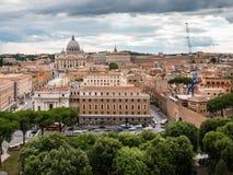 梵蒂冈概要和圣Peter's大教堂 免版税库存照片