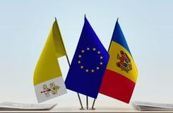 梵蒂冈欧盟和摩尔多瓦旗子  库存图片