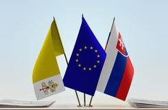 梵蒂冈欧盟和斯洛伐克的旗子 库存照片