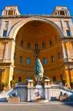 梵蒂冈的内在庭院 免版税库存图片