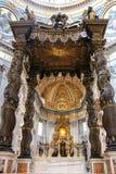 梵蒂冈- 9月25 :圣彼得大教堂内部  免版税图库摄影