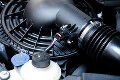 检查发动机和汽车修理 免版税库存图片