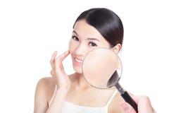 检查您的健康皮肤 免版税库存图片