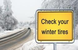 检查您的冬天轮胎 库存图片