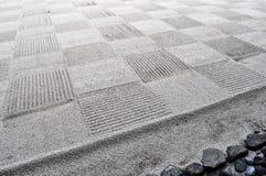 检查日本假山花园的样式 免版税库存图片