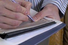 检查签字 免版税图库摄影