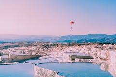棉花城堡看法在棉花堡,土耳其 免版税库存照片