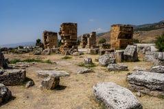 从棉花堡,土耳其的废墟 免版税库存图片