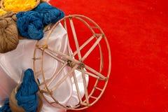 棉花染料由自然成份被做 在泰国 免版税库存图片
