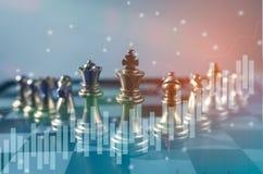 棋盘企业想法的比赛概念和竞争和战略计划成功意思,储蓄财政统计 免版税库存图片