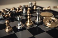 棋盘企业想法的比赛概念和竞争和战略计划 免版税库存图片