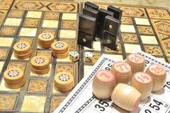 棋 乐透纸牌、多米诺和验查员 免版税库存图片