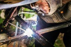 棍子焊接和电弧焊接关闭 免版税图库摄影