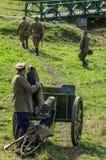 棍打扮演重建其中一次争斗世界大战2在俄罗斯的卡卢加州地区 库存照片