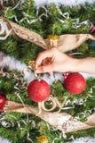 棒棒糖圣诞节装饰品雪结构树 免版税库存照片