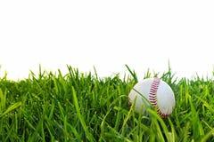 棒球满地露水的草 免版税库存图片