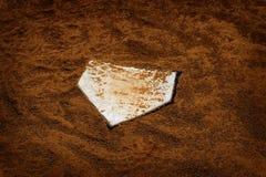 棒球Homeplate在体育美国过去时间的布朗土 图库摄影