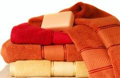 棒豪华肥皂软的毛巾 免版税库存照片