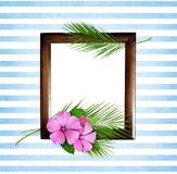 棕榈叶和桃红色野花与木制框架 库存照片