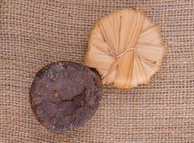 棕榈在黄麻袋IV的树汁糖 免版税库存照片
