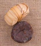 棕榈在黄麻袋XI的树汁糖 免版税库存图片