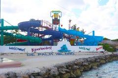 棕榈岛手段waterpark在阿鲁巴 库存照片