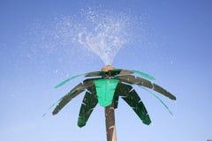 以棕榈树的形式阵雨在纽约兔子海滩  库存图片