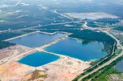 棕榈油生产的热带砍伐森林 库存照片