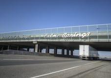 棕榈泉的标志I10高速公路的 免版税库存图片