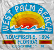 棕榈滩夏天人T恤杉图表传染媒介设计 免版税库存照片
