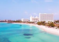 从棕榈滩的天线阿鲁巴的在加勒比 免版税库存图片