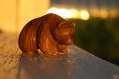 棕熊一点雕象纪念品 免版税库存图片