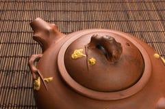 棕色中国茶壶 免版税图库摄影