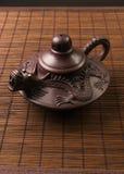 棕色中国茶壶 免版税库存照片