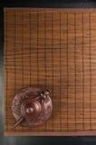 棕色中国茶壶 库存图片