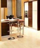 棕色厨房垂直 免版税库存照片