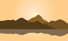 棕色山剪影看法  向量例证