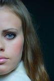 棕色毛发的妇女年轻人 库存照片