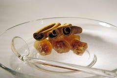 棕色焦糖的肉桂条糖 图库摄影