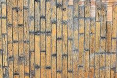 棕色老自然木板条黑暗背景变老了有树地板样式纹理特写镜头金子视图表面的o空的农村室 免版税库存照片