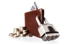棕色锁着的挂锁钱包 图库摄影