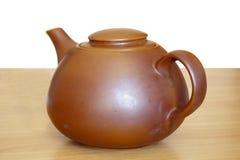 棕色陶瓷茶壶 库存照片